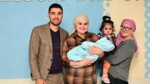 Родителям 2000-го ребенка в Альметьевске вручили денежный сертификат