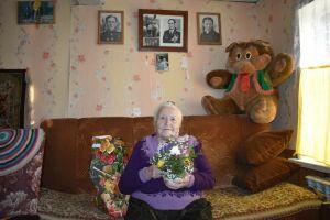 В день векового юбилея Героя СССР Михаила Красавина верхнеуслонцы навестили его вдову