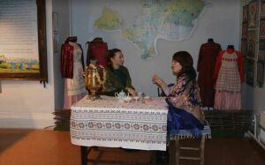 Иммерсивный спектакль «Конторские истории» показали на «Ночи искусств» в Менделеевске