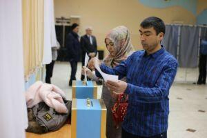 Участников выборов в парламент Узбекистана в Алексеевском встретили музыкой и чаем