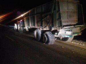 В Татарстане иномарка протаранила трактор, погиб трехлетний пассажир авто