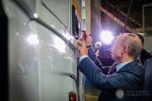 В музей КАМАЗа передали фломастер, которым Путин оставил автограф на грузовике завода