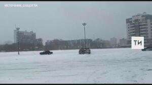 Устроивших дрифт-заезды у «Чаши» в Казани водителей разогнали инспекторы ГИБДД