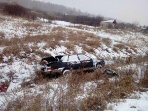 Под Бугульмой легковушка вылетела с трассы в кювет, водитель погиб