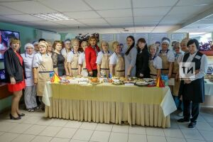 «Без работы не останемся»: 12 предпенсионеров Казани стали поварами