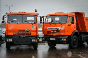 Минниханов вручил коммунальщикам Набережных Челнов новую технику в канун снегопадов