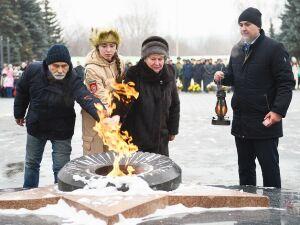 В Нижнекамске на Монументе Победы  после реконструкции зажгли Вечный огонь