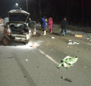 Один человек пострадал в лобовом столкновении двух легковушек на трассе в РТ