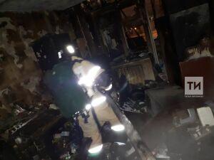 Мужчина и пожилая женщина пострадали на пожаре в казанской девятиэтажке