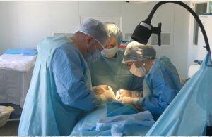 В ДРКБ провели показательную операцию по имплантации стимулятора блуждающего нерва