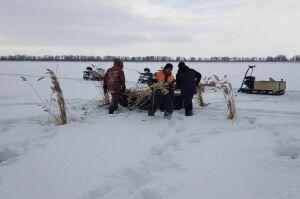 В Рыбно-Слободском районе на Каме пробурили более полутысячи лунок для спасения рыбы