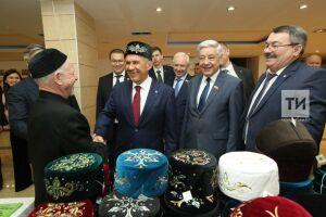 Минниханов поручил помочь бизнесменам татарских сел России с реализацией товаров