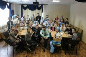 Воспитанники воскресных школ Алексеевского района сразились в игре «Сыны Отечества»