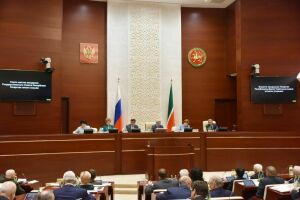 Госсовет РТ предлагает Госдуме вернуть субъектам РФ возможность регулировать продажу алкоголя