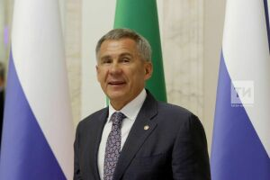 Рустам Минниханов поздравил татарстанцев, победивших в конкурсе «Лидеры России»