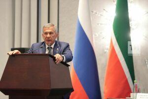 Минниханов вошел в рейтинг фонда «Петербургская политика», поддержав создание счетов для самозанятых