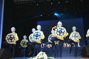 Гала-концерт «Созвездия» в Лаишевском районе собрал талантливых певцов, танцоров и конферансье
