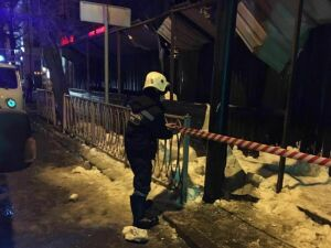 Исполком Казани: Виновные в обрушении снега на ребенка и мужчину будут наказаны