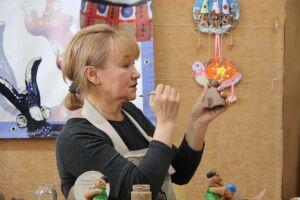 В Набережных Челнах юные умельцы представили более 100 игрушек на республиканский конкурс свистулек