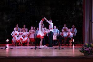 В Альметьевске на гала-концерте «Монлы тамчы – Звонкая капель» выступили 300 фольклористов