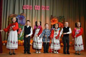 Пестречинские школьники на фестивале «Без бергэ» сыграли на трещотках и станцевали лезгинку