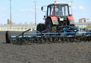 В хозяйствах Татарстана предстоит завершить ремонт 135 энергонасыщенных тракторов