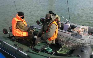 На Казанке поймали рыбаков, которые вышли на реку на лодке до начала навигации