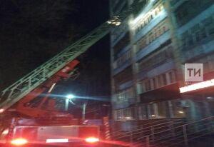 Пожарные спасли двоих мужчин из горящей квартиры в казанской девятиэтажке