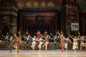 Рыжеволосая Джульетта и бразильский Ромео из Берлина покорили Нуриевский фестиваль