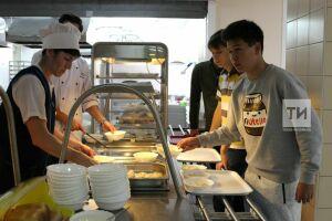 Бурганов: Нет проблемы в том, чтобы организовать в школах и детсадах Татарстана халяльное питание