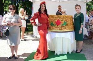 Альметьевцы испекли чак-чак весом 150 кг для Общеевропейского Сабантуя в Таллине