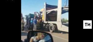 В Альметьевском районе водитель автовоза погиб, протаранив «КАМАЗ» дорожных служб