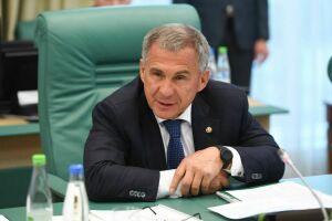 Минниханов об уходе Шигабутдинова с поста главы «ТАИФ»: Вы как старший товарищ будете помогать