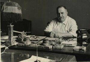 Нацмузей РТ представит медицинские инструменты, книги и рукописи Александра Вишневского