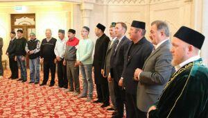В Белой мечети Болгара Василь Шайхразиев поздравил мусульман с праздником Ураза-байрам