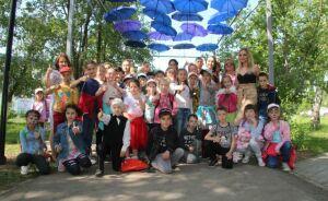 В Менделеевске открылась обновленная Аллея парящих зонтиков