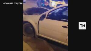 Серьезная авария в Казани, в которой пострадал молодой водитель, попала на видео