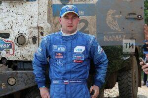 Экипаж Антона Шибалова финишировал вторым на первом этапе «Шелкового пути»