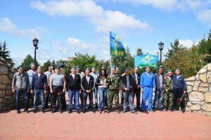 В Менделеевске День ВДВ отметили митингом у мемориала участникам войны в Афганистане