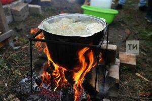 На фестивале «Свияжская уха» всех желающих бесплатно накормят наваристым супом из рыбы