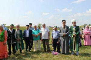 Для мамадышцев провели экскурсию у подножья Кирменских гор «По следам Сююмбике»