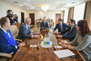 Песошин встретился с президентом FISU Олегом Матыциным