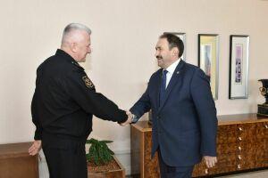 Алексей Песошин провел переговоры с главкомом ВМФ России