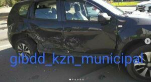 В результате лобового столкновения в Казани перевернулся автомобиль с годовалым ребенком