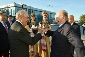 Минтимер Шаймиев встретил в аэропорту «Казань» принца Карима Ага Хана IV