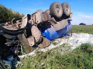 В Черемшанском районе РТ погиб водитель перевернувшейся автоцистерны