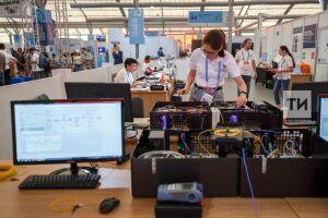 Модели Земли, Солнца и 3D-принтер использовали инженеры космических систем на WorldSkills 2019