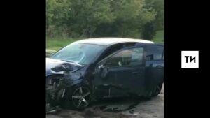 В ДТП попал водитель автомобиля, который привез устроившего стрельбу казанца