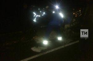 На трассе Казань – Оренбург пьяный водитель легковушки протаранил микроавтобус, погиб пассажир авто