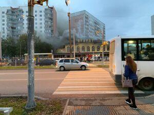 В центре Набережных Челнов загорелось пустующее здание ресторана «Арарат»
